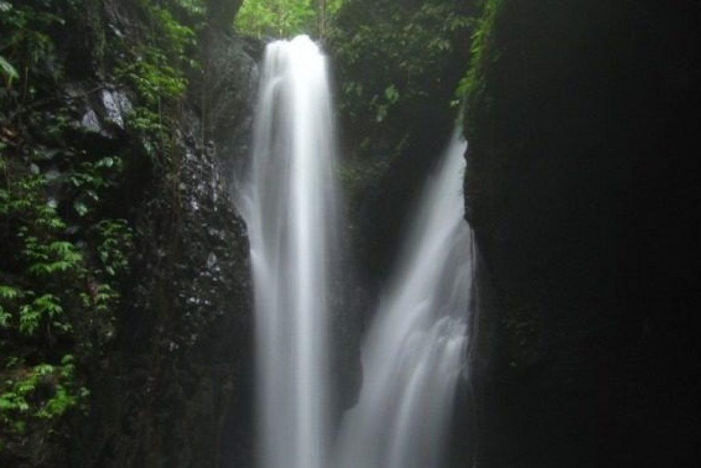 5 Air Terjun Populer Di Bali yang Mempesona