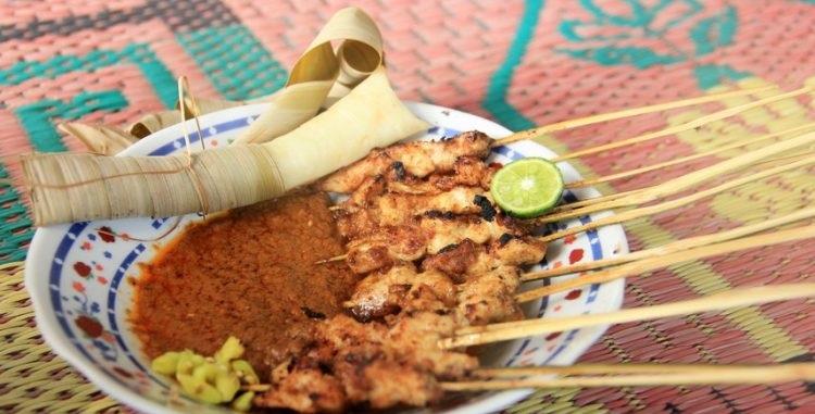 7 Makanan Khas Lombok Yang Boleh Dicoba!