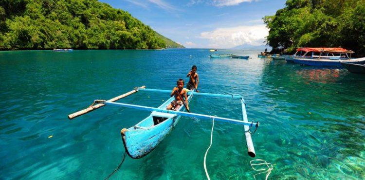 8 Pantai Terindah Di Maluku Utara