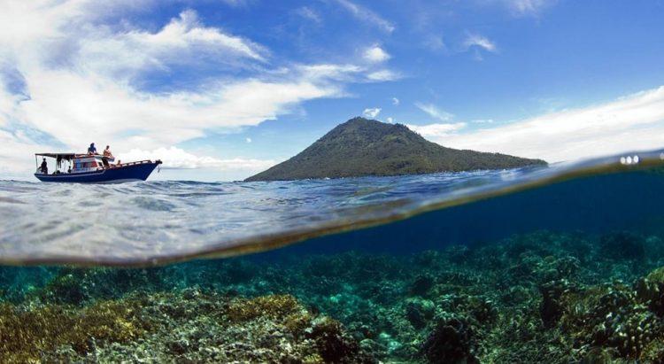 8 Tempat Wisata Populer Di Manado