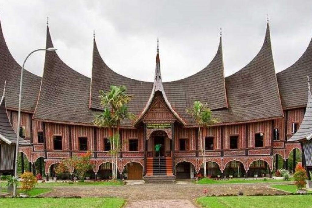 7 Keunikan Rumah Gadang Sumatera Barat