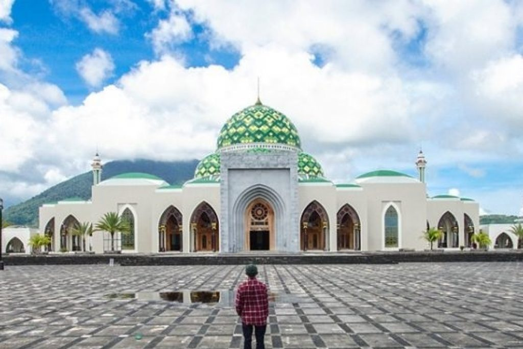 8 Tempat Wisata di Kepulauan Natuna