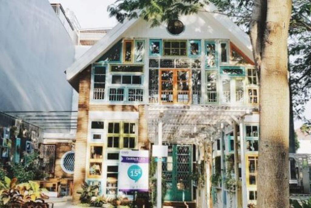 Inilah 8 Tempat Nongkrong Murah di Surabaya
