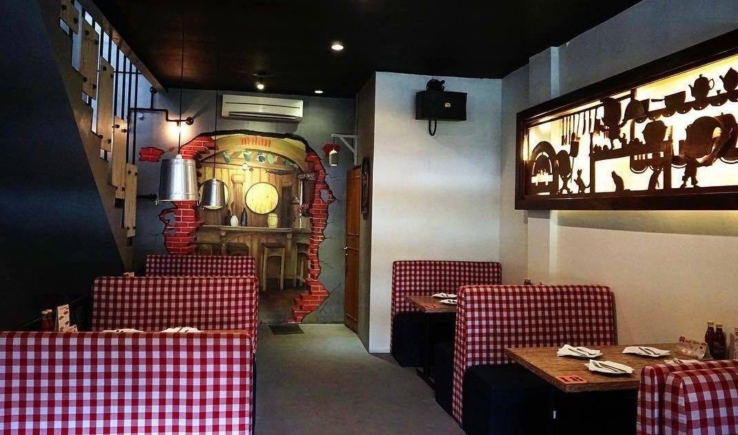 Mulan Pizzeria Cafe