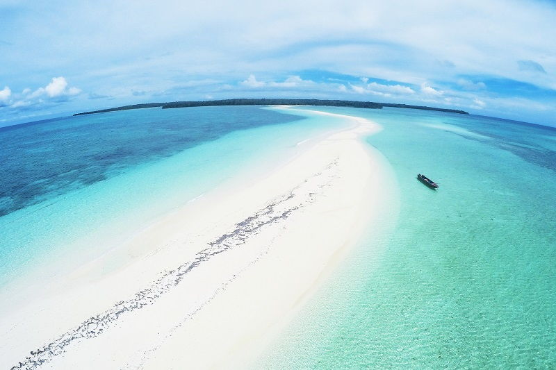Pantai Ngurtafur di Kepulauan Kei